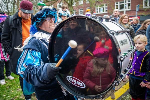 Sinterklaas intocht in Benoordenhout op het Van Hoytemaplein