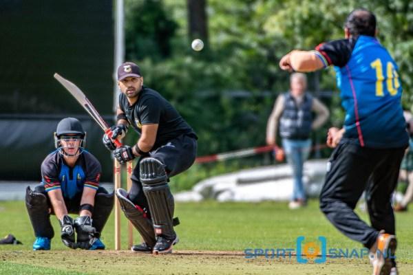 05-09-2020: Cricket T20: VRA v HBS: Den Haag Cricket T20 Topklasse heren 2020 Halve finale Cricket T20