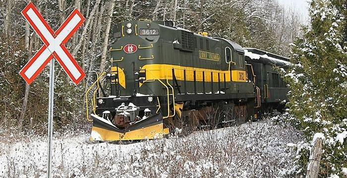 Uxbridge, ON: Santa Train