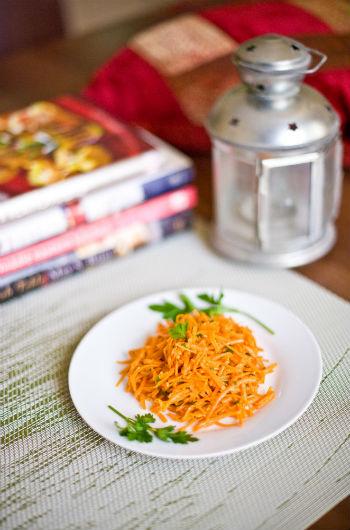 Салат с кальмаром и морковкой корейской рецепт фото ...