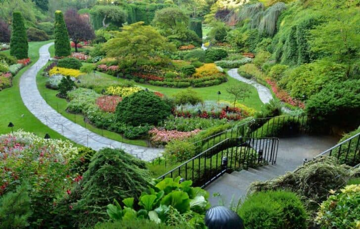 7 of the World's Most Beautiful Gardens Landscapes | 1001 ... on Beautiful Backyard Landscaping  id=78147