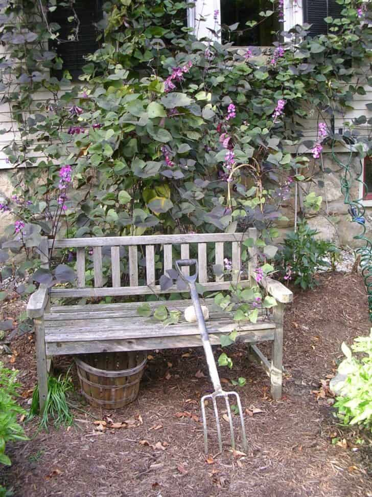 12 Shabby Chic & Bohemian Garden Ideas | 1001 Gardens on Chic Patio Ideas id=49391
