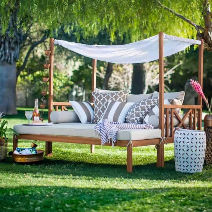 10 Outdoor Daybeds for a Lazy Afternoon • 1001 Gardens on Living Spaces Outdoor Daybed id=18347
