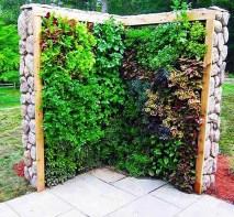 salad-vertical-garden-1