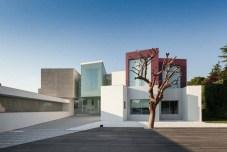 Superb-Geometric-House-in-Madrid1-900x600
