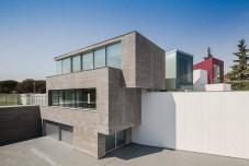 Superb-Geometric-House-in-Madrid3-900x600