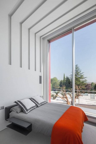 Superb-Geometric-House-in-Madrid8-900x1350