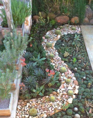 small-garden-display-3-640x814
