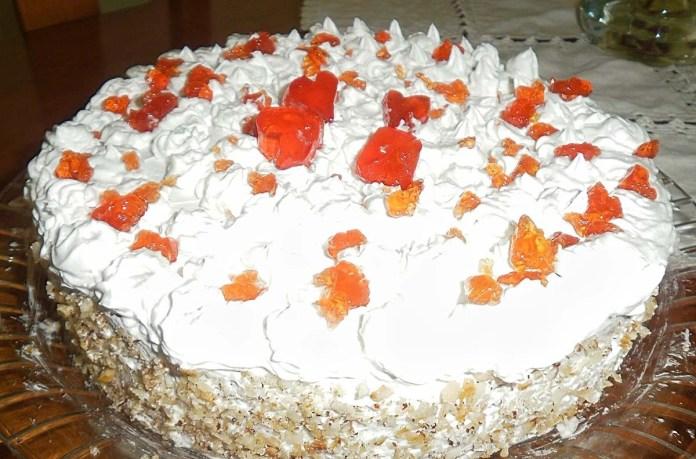 bolo de marmelada e chantili