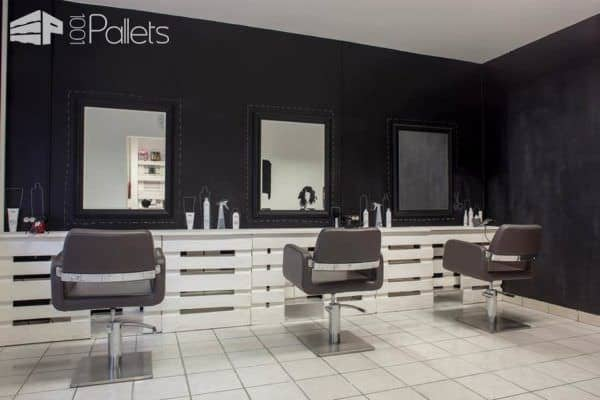 Pallet Hair And Nails Salon In Hungary 1001 Pallets