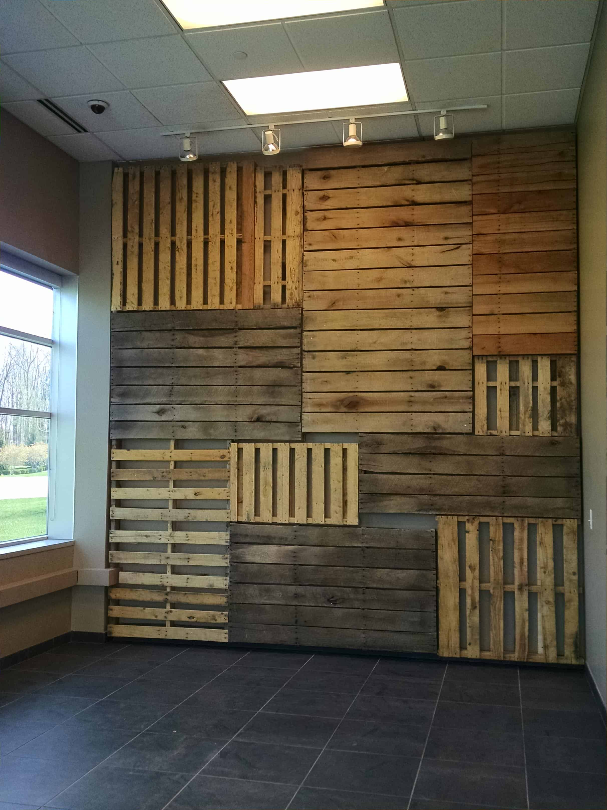 Pallet Focal Wall • 1001 Pallets on Pallet Room  id=47994