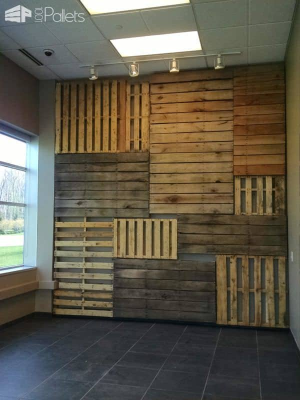 Add Style Quickly: More Than 50 Beautiful Pallet Wall ... on Pallets Design Ideas  id=96920