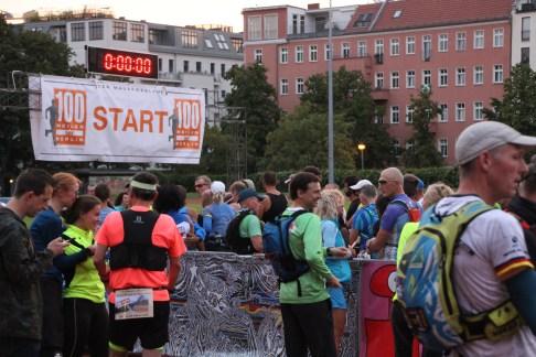 Kurz vor dem Start zum 8. Mauerweglauf