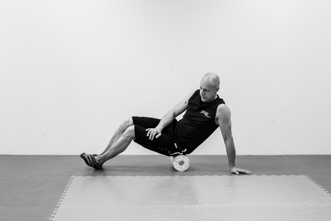 Black Roll Relax Exercises - Photographed by Fanning Tseng for Y!PE-5
