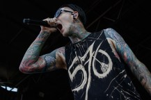 078_VWT_Motionless in White