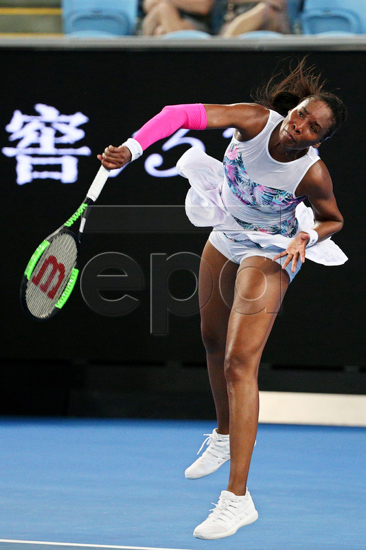Venus Williams of the USA in action against Alize Cornet of France during their women's second round match of the Australian Open Grand Slam tennis tournament in Melbourne, Australia, 17 January 2019.  EPA-EFE/HAMISH BLAIR AUSTRALIA AND NEW ZEALAND OUT