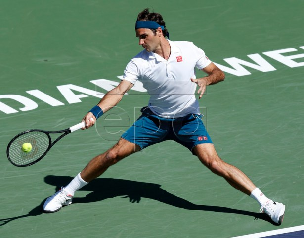Roger Federer of Switzerland in action against Hubert Hurkacz of Poland during the BNP Paribas Open tennis tournament at the Indian Wells Tennis Garden in Indian Wells, California, USA, 15 March 2019. The men's and women's final will be played, 17 March 2019.  EPA-EFE/JOHN G. MABANGLO