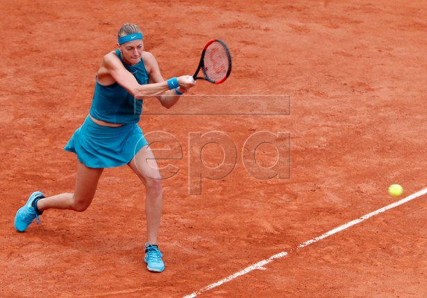 Petra Kvitova of the Czech Republic plays Lara Arruabarrena of Spain during their women?s second round match during the French Open tennis tournament at Roland Garros in Paris, France, 30 May 2018.  EPA-EFE/GUILLAUME HORCAJUELO