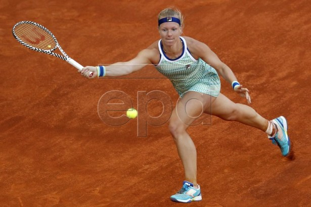 Kiki Bertens of Netherlands in action against Simona Halep of Romania during their Mutua Madrid Open tennis final game at Caja Magica, in Madrid, Spain, 11 May 2019.  EPA-EFE/Javier Lizon