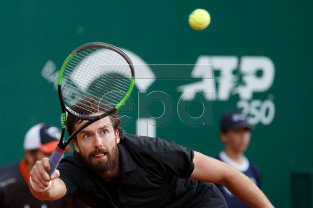 Ernests Gulbis of Latvia in action during his match against Alexander Zverev of Germany at the ATP 250 Geneva Open tennis tournament in Geneva, Switzerland, 21 May 2019.  EPA-EFE/SALVATORE DI NOLFI