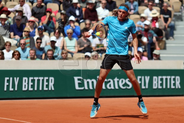 Stefanos Tsitsipas of Greece plays Hugo Dellien of Bolivia  during their men?s second round match during the French Open tennis tournament at Roland Garros in Paris, France, 29 May 2019.  EPA-EFE/SRDJAN SUKI