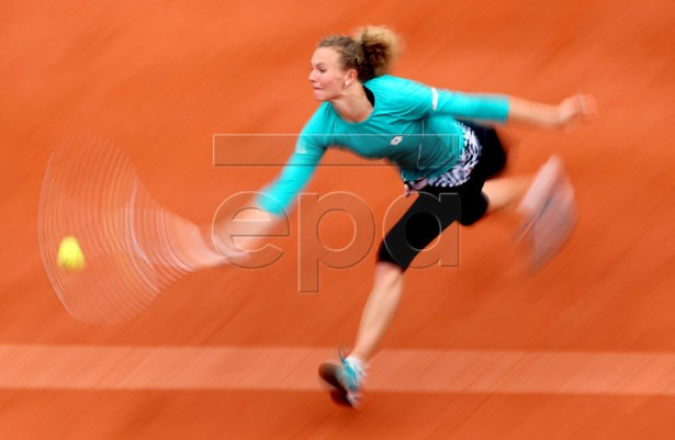 Katerina Siniakova of the Czech Republic plays Madison Keys of the USA during their women?s round of 16 match during the French Open tennis tournament at Roland Garros in Paris, France, 03 June 2019. EPA-EFE/SRDJAN SUKI