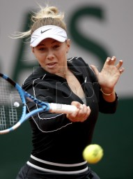 Amanda Anisimova of the USA plays Ashleigh Barty of Australia during their women?s semi final match during the French Open tennis tournament at Roland Garros in Paris, France, 07 June 2019. EPA-EFE/YOAN VALAT