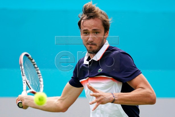 Russia's Daniil Medvedev returns to Fernando Verdasco of Spain during their round 32 match at the Fever Tree Championship at Queen's Club in London, Britain, 17 June 2019. The tournament runs from 17 till 23 June 2019. EPA-EFE/WILL OLIVER