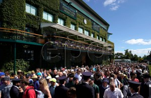 Spectators arrive for first round action during the Wimbledon Championships at the All England Lawn Tennis Club, in London, Britain, 01 July 2019. EPA-EFE/WILL OLIVER EDITORIAL USE ONLY/NO COMMERCIAL SALES