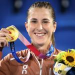 Belinda Bencic Wins Gold for Switzerland in the Ladies Tennis At the Olympics