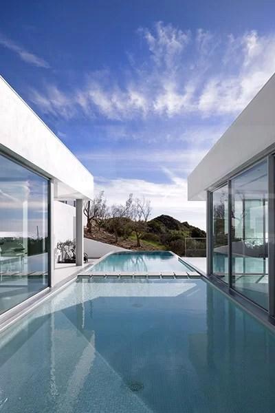 Villa Escarpa Stunning Bauhaus Style Home Algarve