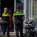 Kinderwagen te water; omstander redt baby