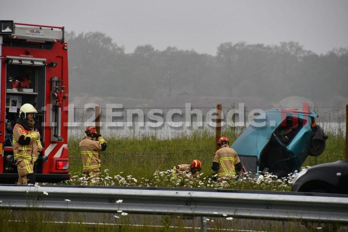 Auto's botsen op de N18 bij Enschede