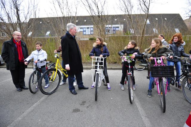Burgemeester Weterings geeft aftrap praktisch verkeersexamen