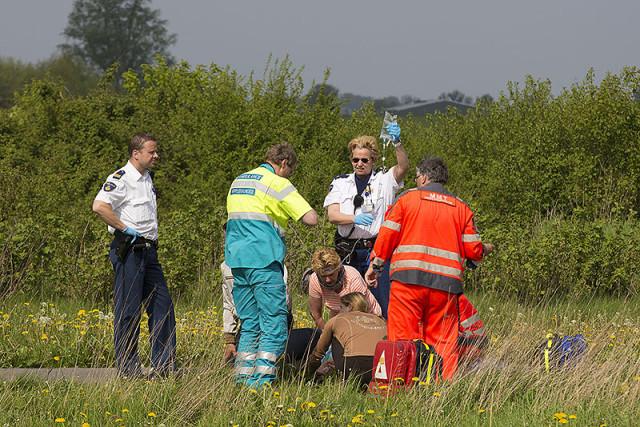 Ruiter ernstig gewond na val van paard