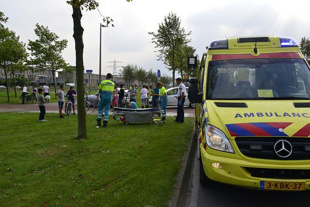 Hoofddorp: Meisje gewond bij aanrijding Deltaweg
