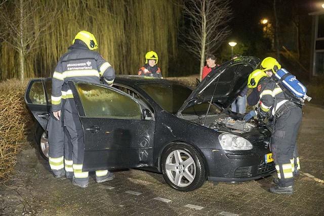 Autobrand veroorzaakt forse schade aan de Amperestraat in Badhoevedorp