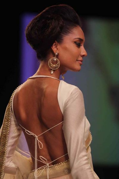 going backless - Beautiful woman of color going backless dress beautiful