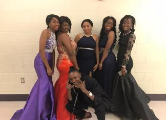 ask a guy to prom - one guy five girls at prom
