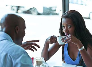 ways to ruin a perfectly good date - black couple drink cup of couple on a date