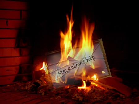 How to let go of a bad relationship? Put his note in the fireplace