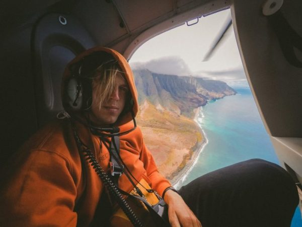 Fun Things Couples Do In Hawaii Man in helicopter
