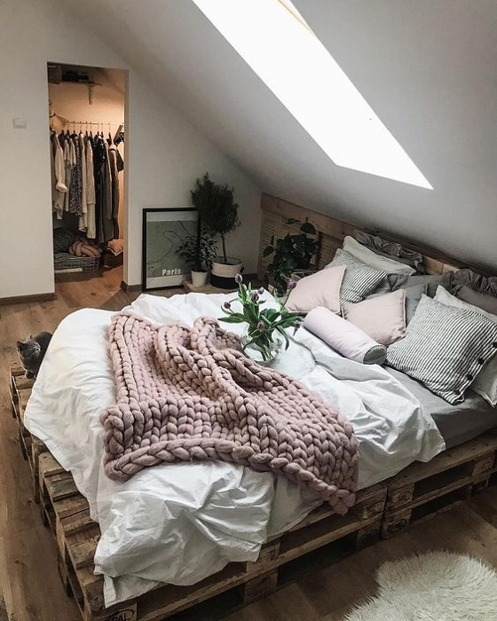 Inspirational Home Wooden Pallet DIY Ideas Make You Happy ... on Pallet Bed Room  id=58201