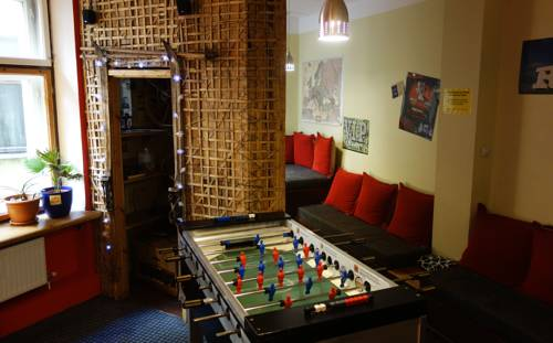 Naughty Squirrel Backpackers Hostel Promo