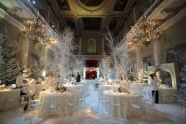 christmas-wedding-venue-ideas