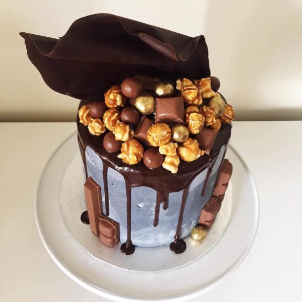 Caramello cake - 123WeddingCards