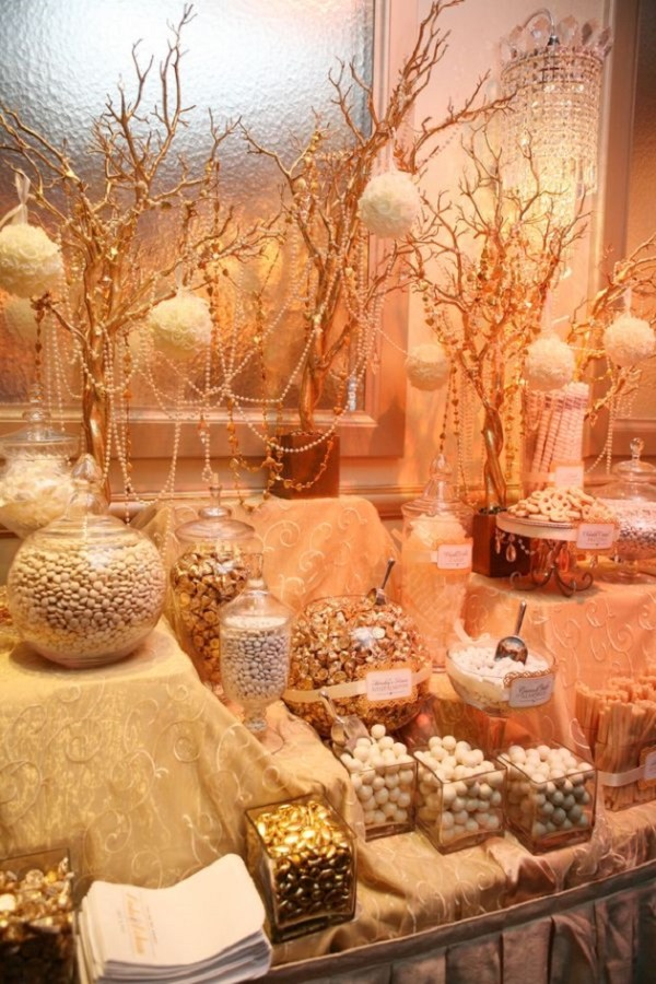 Sweet candy bar will look sweeter with our gold wedding idea