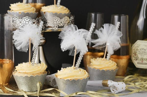 cupcakes perfect for New Year wedding