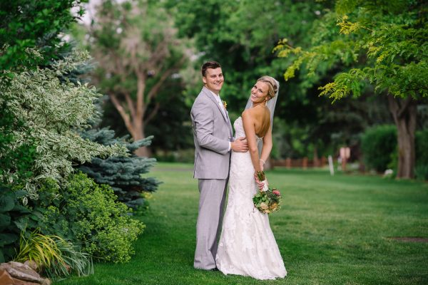 Use of Natural Elements for Wedding Photos_1