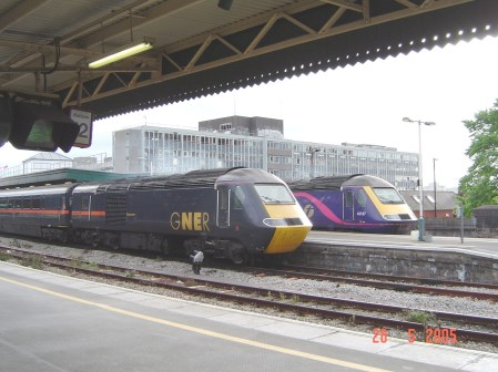 43112 seen alongside 43187 at Bristol Temple Meads (c) Alex Wood